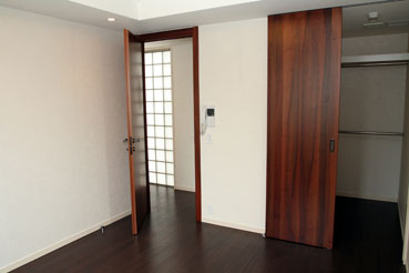 Bedroom067.jpg
